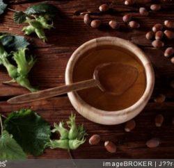 huile-noisette-comment-utiliser-cuisine-conseils-bienfaits-vertus-cuillere-bois-cuisiner